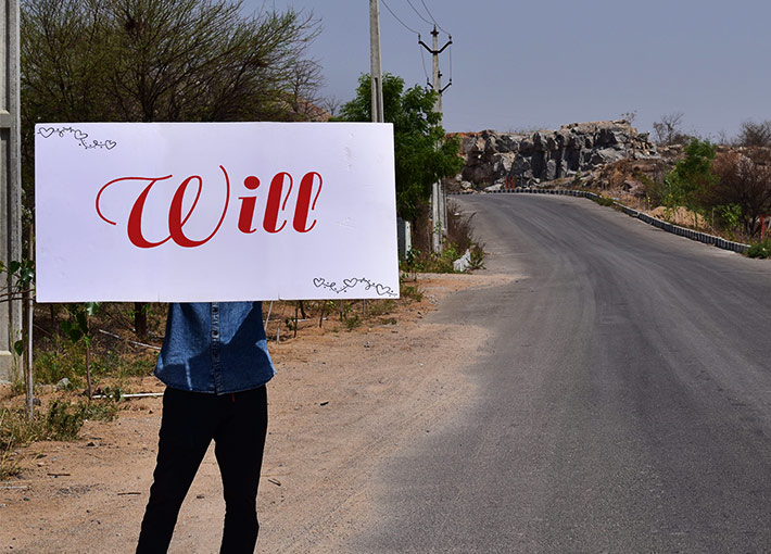 Will you marry me proposal on road