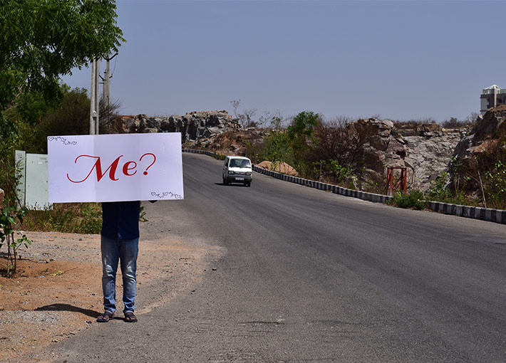 Will you marry me proposal on roadside